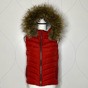 Gap Winter Warmth faux fur hooded puffer vest XS